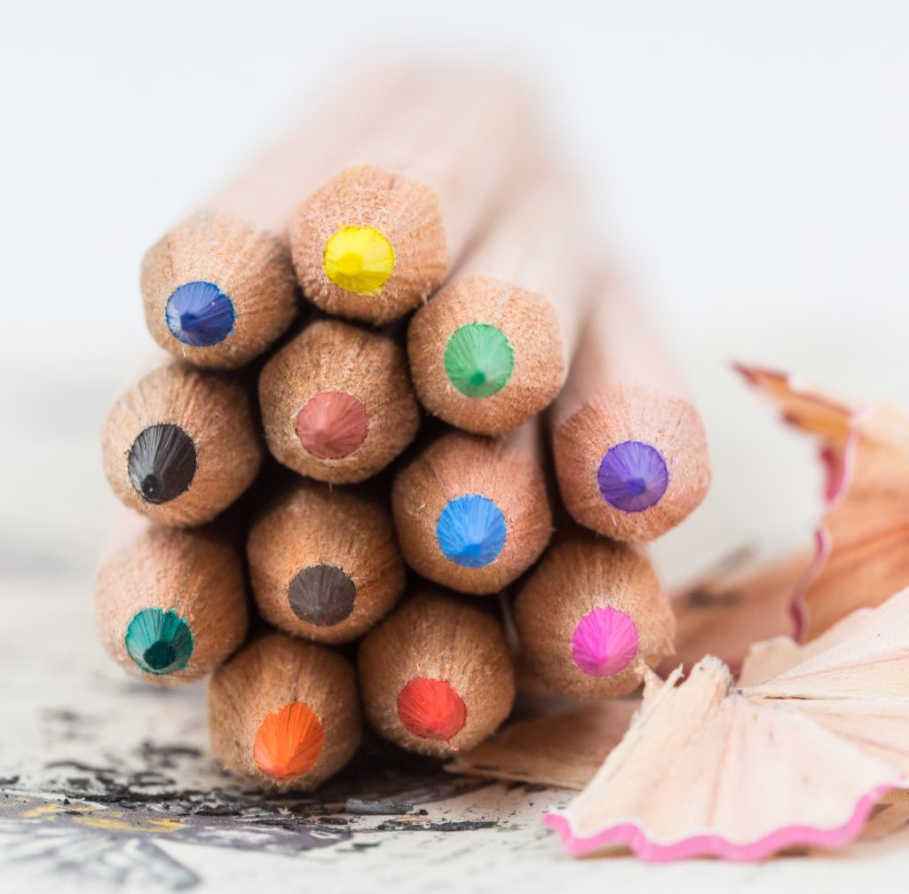 natural-wood-personalised-colouring-pencils-3